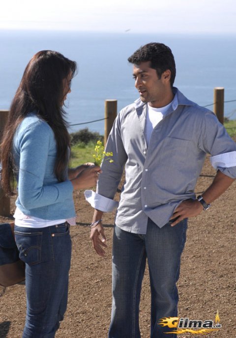 varanam ayiram movie free